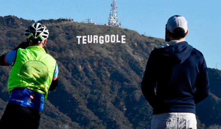 """États-unis : le célèbre panneau """"Hollywood"""" transformé dans la nuit du 31 décembre"""